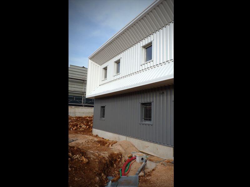 Projet d 39 un atelier et logement b timent industriel dans for Architecte batiment industriel